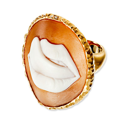 Wilfredo Rosado Gold Lips Ring