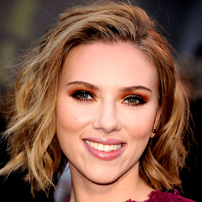 Hair  Makeup Games on Scarlett Johansson     Best Hair And Makeup     Oscars 2011