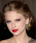Taylor Swift - 2011 Met Ball - makeup