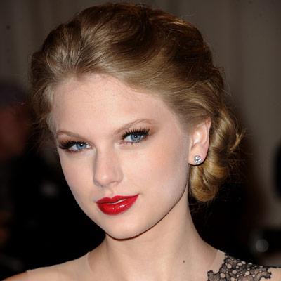 make Up TayLoR Swift 2013 - ميك اب جديد 2013 - ميك اب فرنسى 2013 - ميك اب لبنانى 2013 050311-Taylor-400.jpg