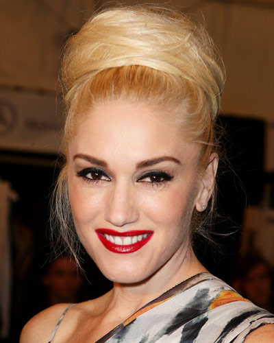 Gwen Stefani - 25 Stars in Red Lipstick - Red Lips