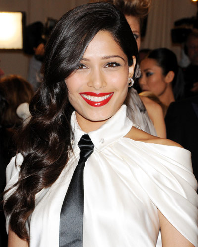Freida Pinto - 25 Stars in Red Lipstick - Red Lips