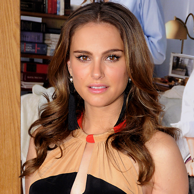 Natalie Portman - No Strings Attached - hair. Debbie Van Story/ABACAUSA.COM
