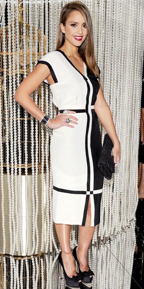 Jessica Alba in Chanel