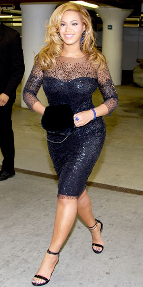Beyonce in Monique Lhuillier