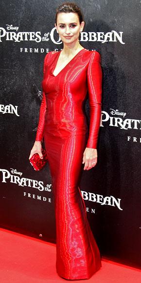 Penelope Cruz in Armani Privé