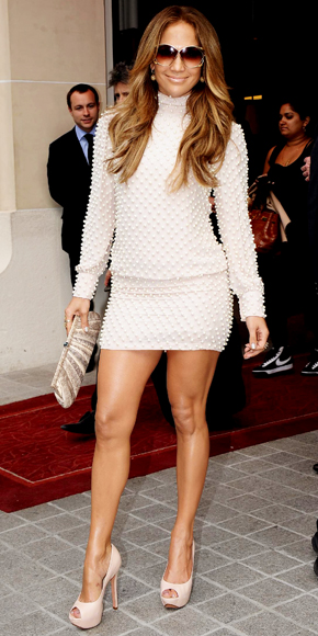 Jennifer Lopez in Brose