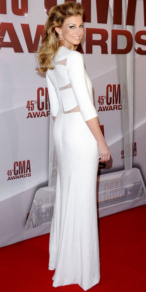 Faith Hill in Chado Ralph Rucci