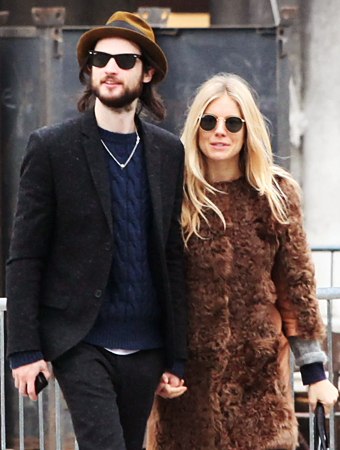 Sienna Miller Pregnant, Tom Sturridge