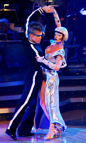 Derek Hough, Nicole Sherzinger, Dancing With the Stars
