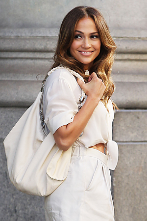 J Lo's handbag in her