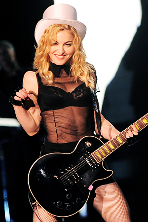 Madonna to perfrom at the Superbowl