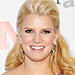 Jessica Simpson&#039;s Perfectly-Matched Manicure!