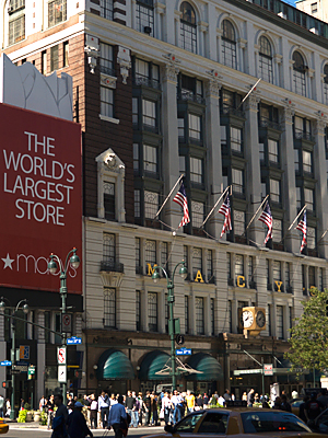 poll-13-macys-300.jpg