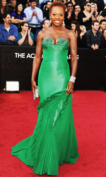 022612 Viola Davis 350 TBF is Live Blogging the Oscars Red Carpet!