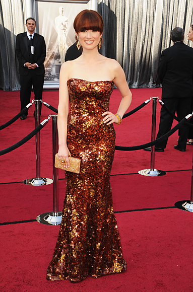 Ellie Kemper, Oscars 2012, Armani Privé gown, red carpet