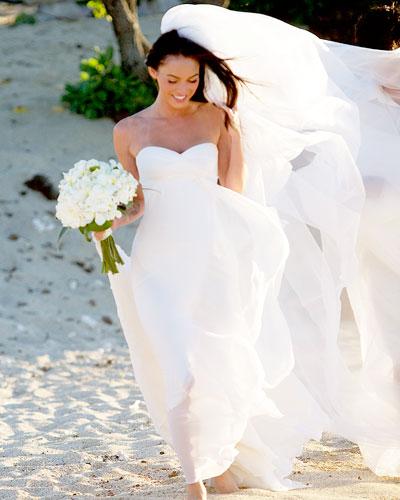 Megan Wedding Dress: 301 Moved Permanently