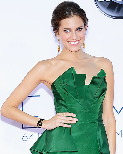If Youu0026#39;re Wearing Green - 2012 Holiday Makeup And Party Dress Combos Youu0026#39;ll Love - InStyle.com