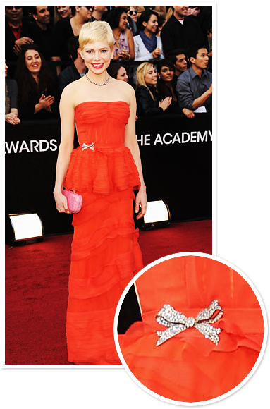 Michelle Williams's Brooch