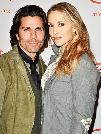 Elizabeth Berkley, Greg Lauren