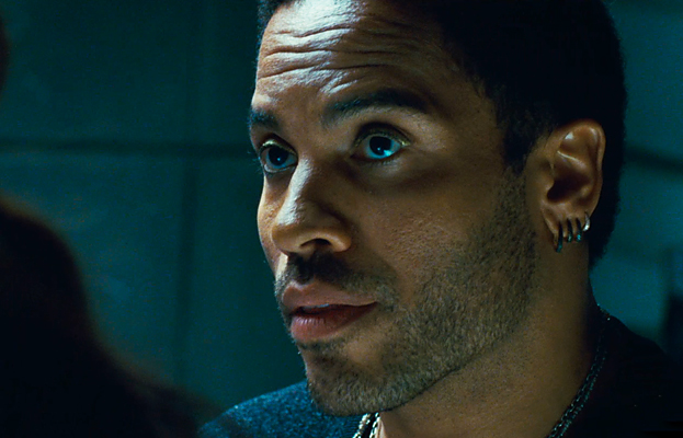 who plays cinna in the hunger games