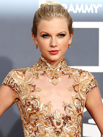 List Taylor Swift Songs on Wow  Taylor Swift Tops Music   S Money Makers List   Instyle Com What