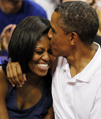 Barack Obama, Michelle Obama, Kiss Cam