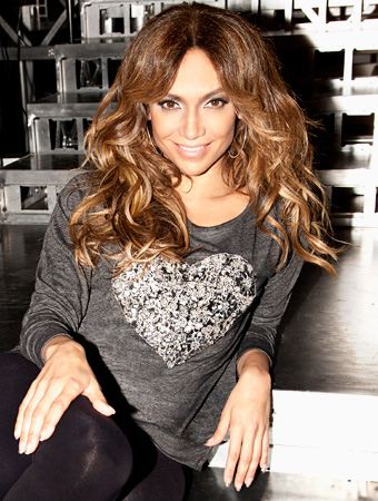 082812-jennifer-lopez-tee-ology-340.jpg