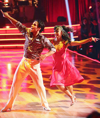 Karina Smirnoff and Apolo Ohno