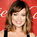 Olivia Wilde Gives Boyfriend Jason Sudeikis a Lesson in Lipstick