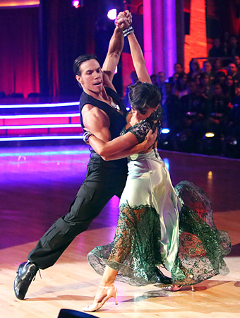 111312-dwts-340.jpg