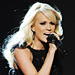Carrie Underwood's Fingerless Gloves: Love Them or Leave Them?