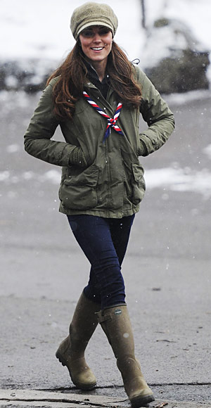 Kate Middleton Looks Beauty With Casual Clothes