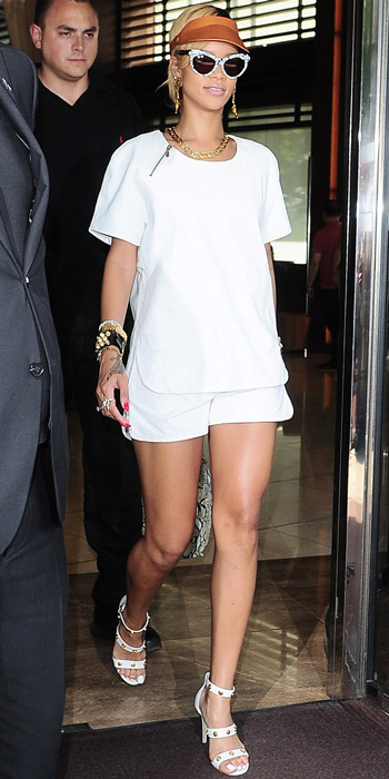 Look of the Day photo | Rihanna