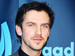 Dan Stevens brown hair