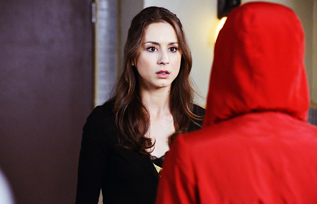 Pretty Little Liars finale Red Coat