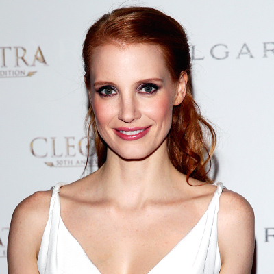 Check Out Jessica Chastain's Stunning 52 Carat Sapphire Necklace!