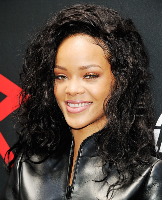 Natural Curls Salon Inspiration Rihanna Instyle Com