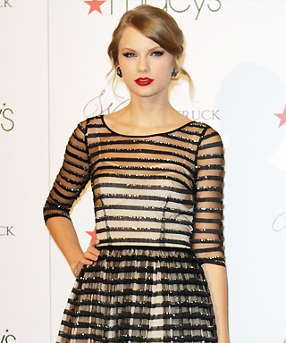 Style File: Taylor Swift's 10 Best Red Carpet Looks Ever!