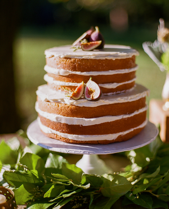 Sweet And Simple Naked Wedding Cakes: Go Naked: 10 Gorgeous Unfrosted