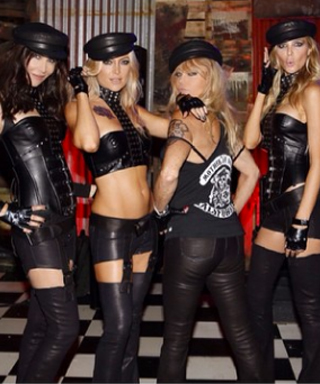 Our Favorite Celebrity Halloween Costumes - Kate Hudson and Goldie Hawn