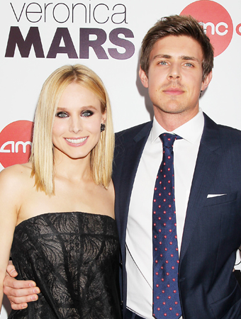 Kristen Bell and Chris Lowell