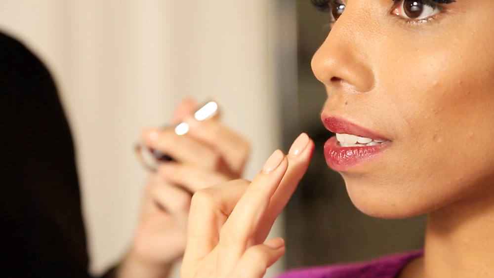 Our Best Beauty Secrets: How to Create a Bold Lip