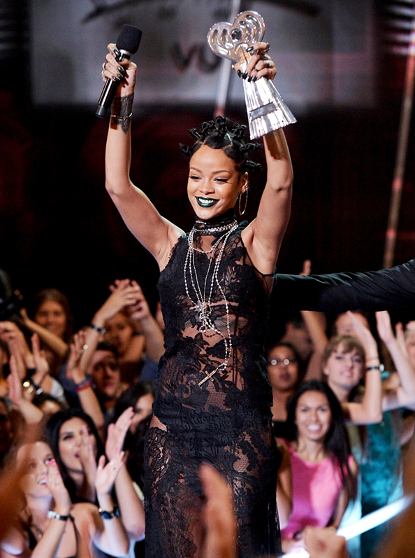 Rihanna iHeartRadio Music Awards
