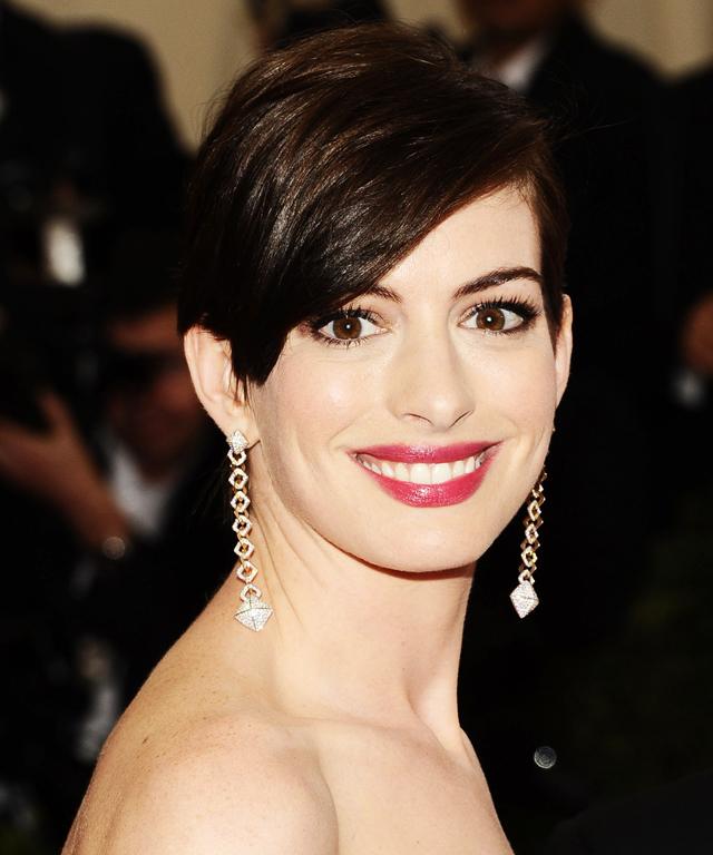 Anne Hathaway 2014 Met Gala Makeup