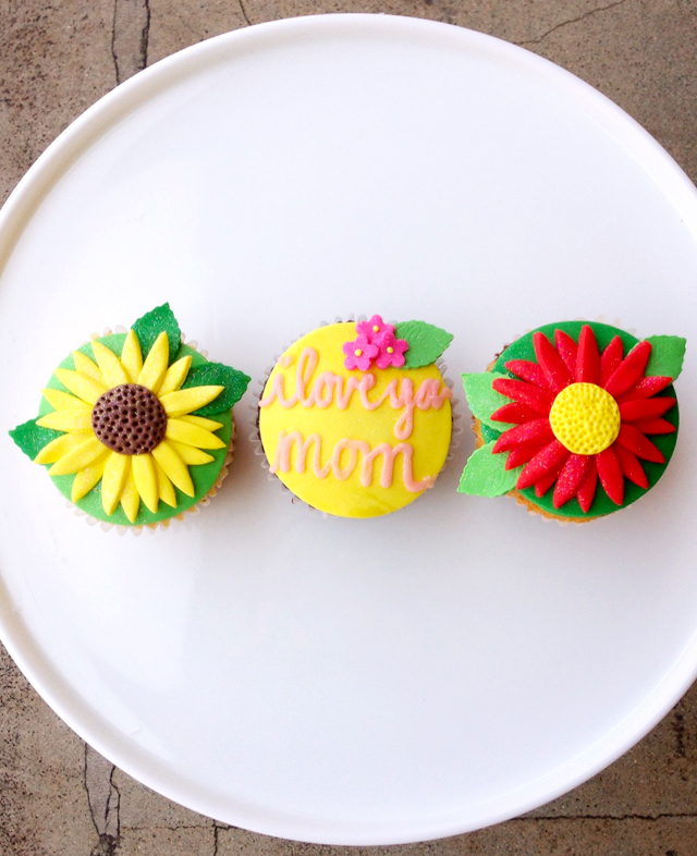 Duff Goldman Mother's Day Cupcakes
