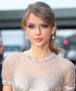 Sandra Bullock, Taylor Swift, Rihanna