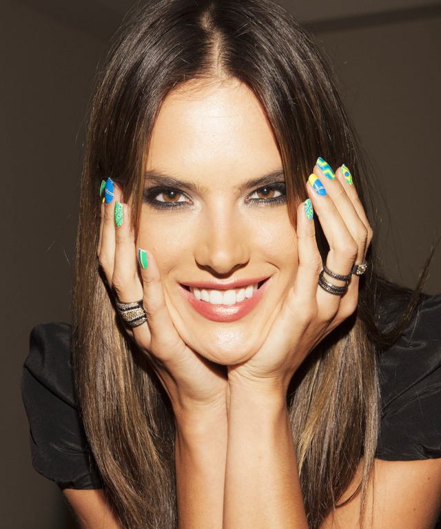Alessandra Ambrosio manicure