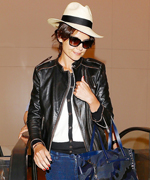 Katie Holmes Jet-Setting Style