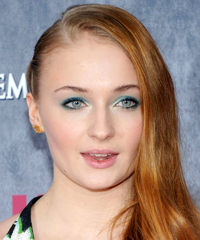Celebrity-Approved Ways to Wear Blue Eyeshadow